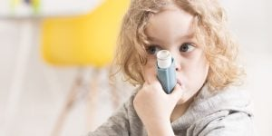 Our HLTAID004 course in Newcastle can help you to prepare to help a child with asthma, such as this